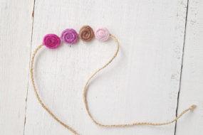 Cintillo de bolitas lila