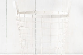 Contenedor blanco de alambre