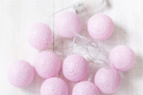 Juego de luces bolas rosadas (a pilas)