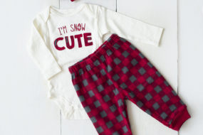 Pijama beige «I'm snow cute» con cintillo (niña)